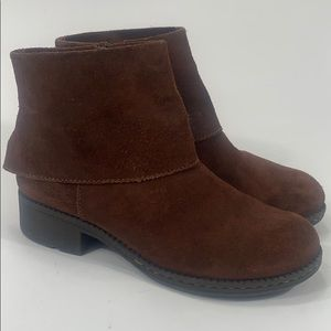 B.O.C. Cuff brown suede ankle boots size 8